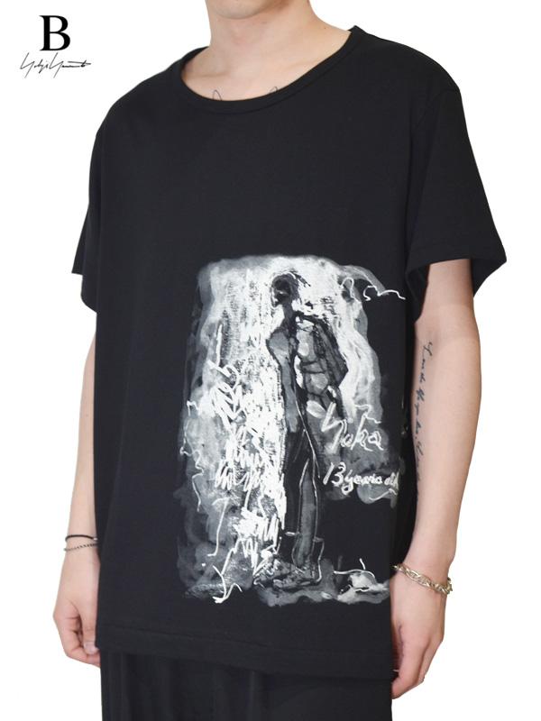 画像1: 【B Yohji Yamamoto  - ビーヨウジヤマモト】S/S Print Cut Sew #2 Tee / Black(Tシャツ/ブラック)  (1)